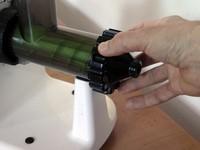 Lexen elektromos búzafűprés leszorító sapkájának feltekerése